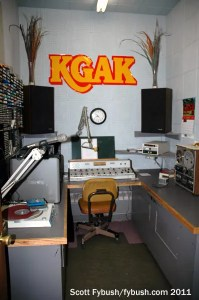 KGAK's production room