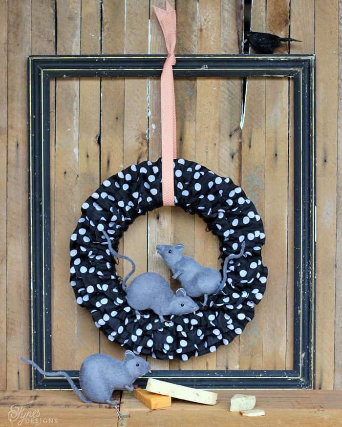 Creepy DIY Halloween Rat Wreath