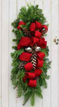 How to Make a Christmas Swag - FYNES DESIGNS | FYNES DESIGNS