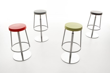Dancer Stool by Maxdesign