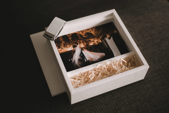 Stylish hand made in Italy wedding albums packaging options - box prints