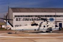 El S-70 Blackhawk H-01 trasladó al Presidente Carlos Menem a la ceremonia del 87 aniversario de la Fuerza Aérea, la cual se realizó en El Palomar en agosto de 1999 (foto: Federico Puppio).