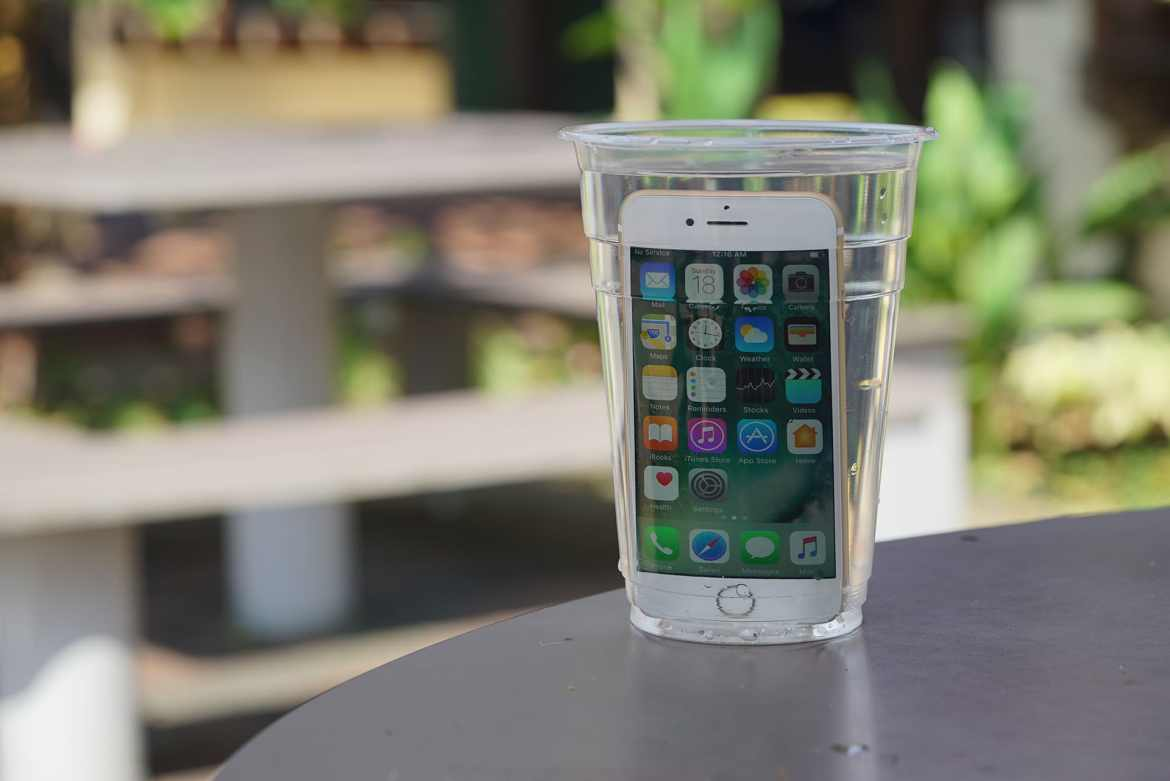 iphone-7-in-a-cup