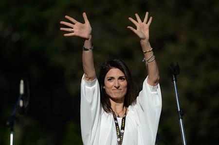 Donna Raggi dei Miracoli conquista Roma che ora, finalmente, sarà ricca e prospera