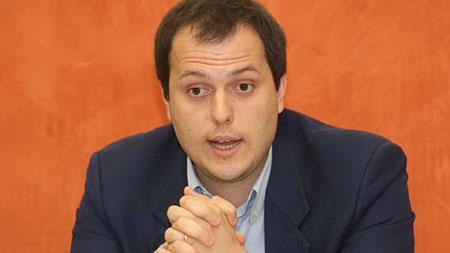 Brescia, l'Assessore piccolo piccolo che nega la Sala Matrimoni alle Unioni Civili