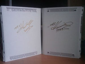 Xbox 360 case - Signed by MC Hammer 3