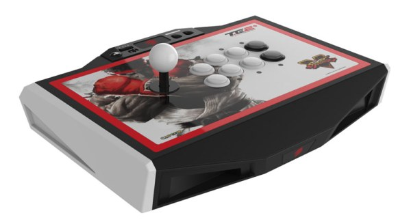 MadCatz-SFV-TE2-Plus-PS4-00