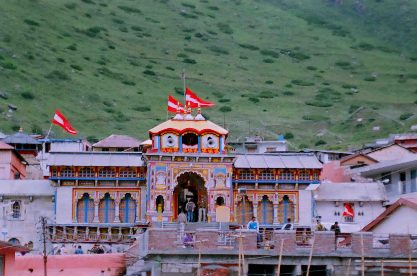 Wallpapers Of Snow Fall Badrinath Temple Badrinath Temple All Information