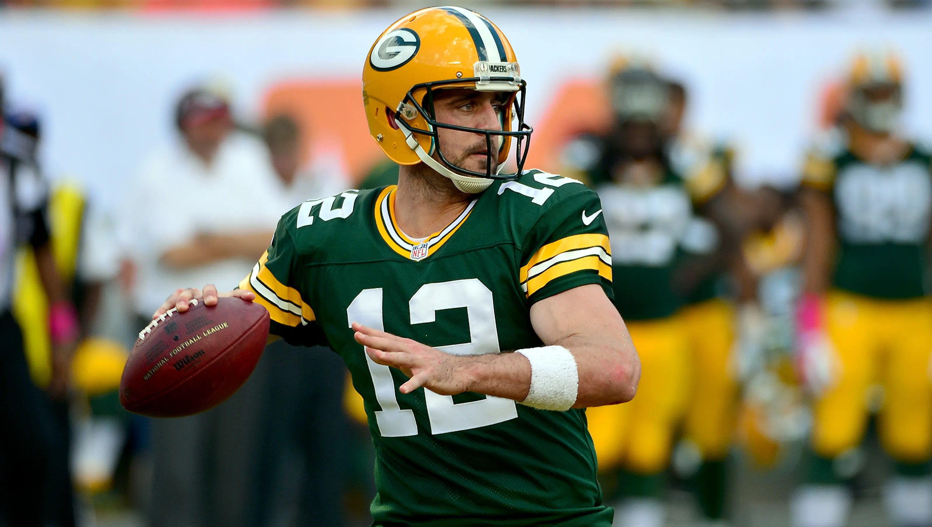 Green Bay Packers Wallpaper Hd Aaron Rodgers Rallies Packers Past Dolphins 27 24