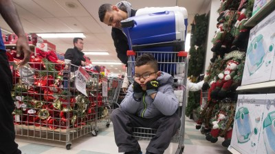 Holiday shopping takes off: Early birds gobble up deals