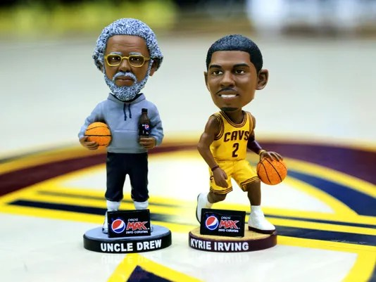 Odell Beckham Jr Wallpaper Hd Kyrie Irving S Cool Bobblehead Night In Cleveland