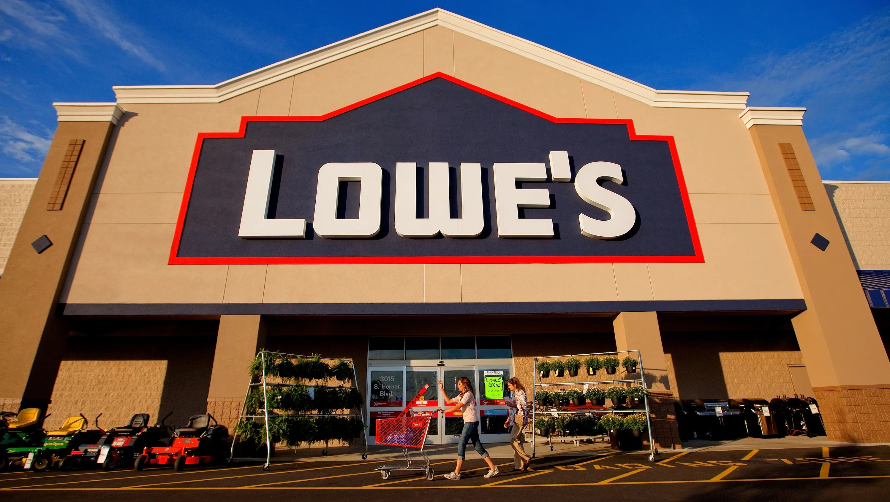 Encouragement To Hire Workers At Nc Facility Lowes Fiesta Las Cruces Lowes Hardware Las Cruces houzz-02 Lowes Las Cruces