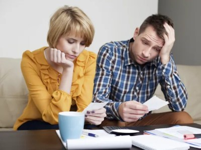 4 of the worst financial gifts you can give