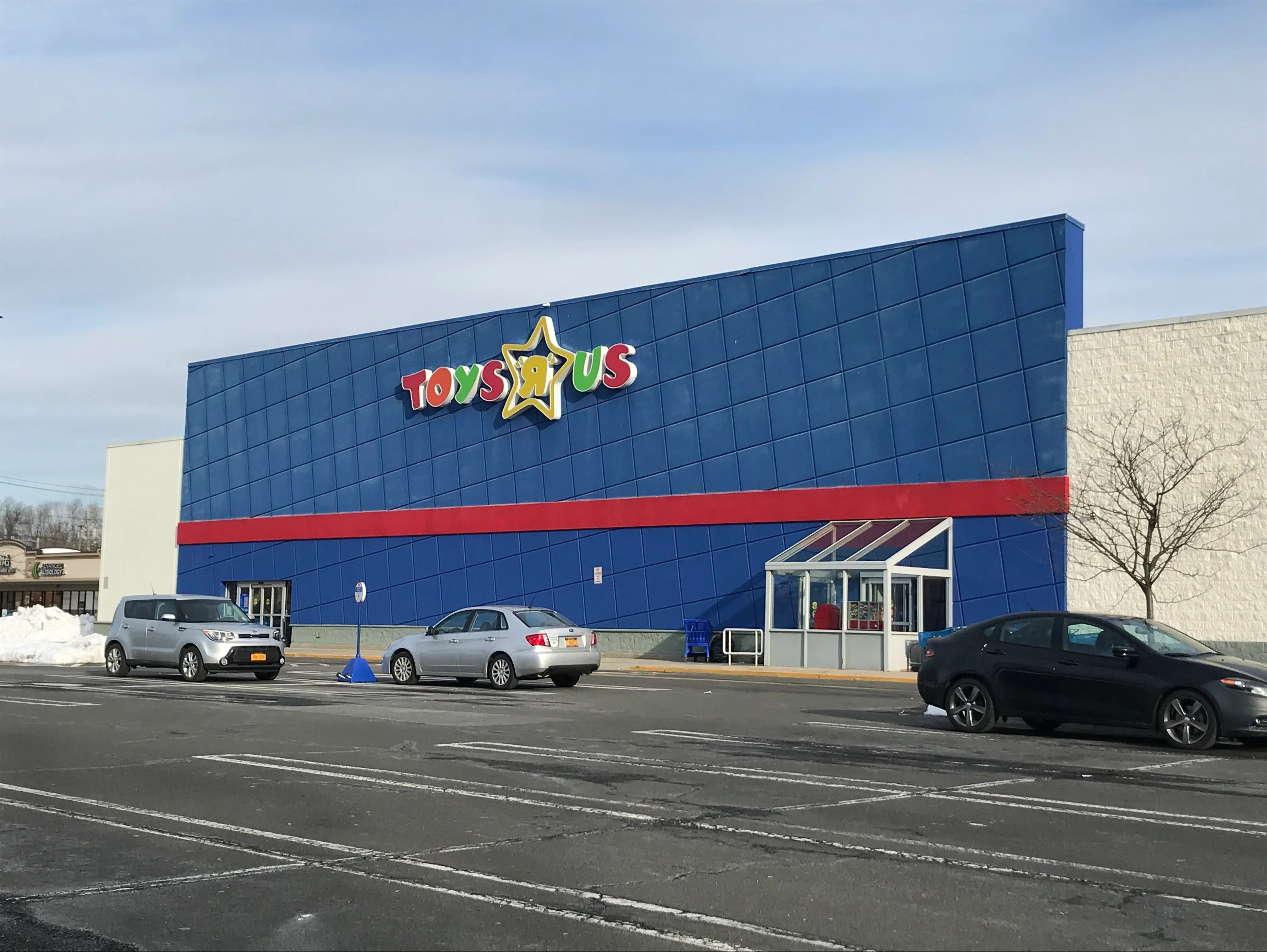 Ocean State Job Lot Opens In Former Toys R Us Location In Nanuet