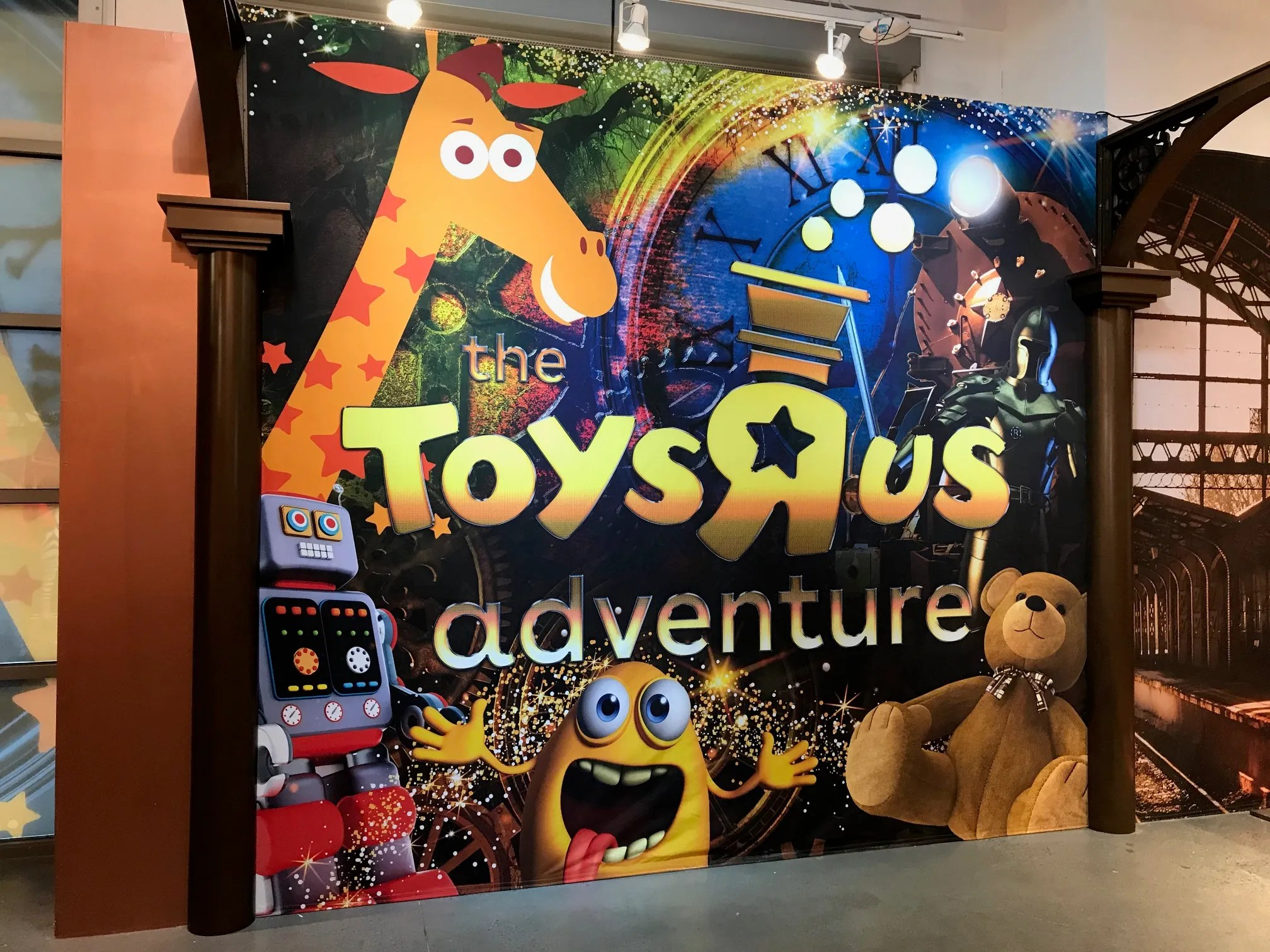 Toys R Us Returns New Toys R Us Adventure Play Lands