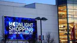 dodenhof Kaltenkirchen Moonlight-Shopping Foto: Händer