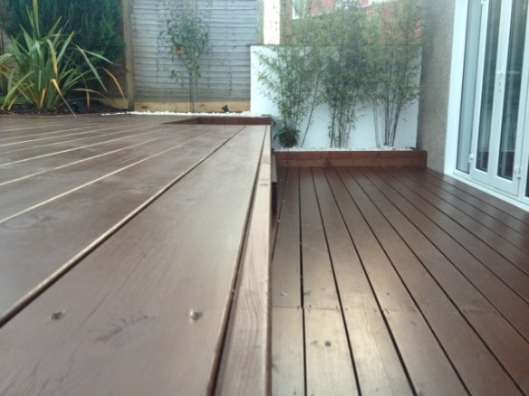 Landscape gardeners edinburghthe garden construction company for Garden decking companies