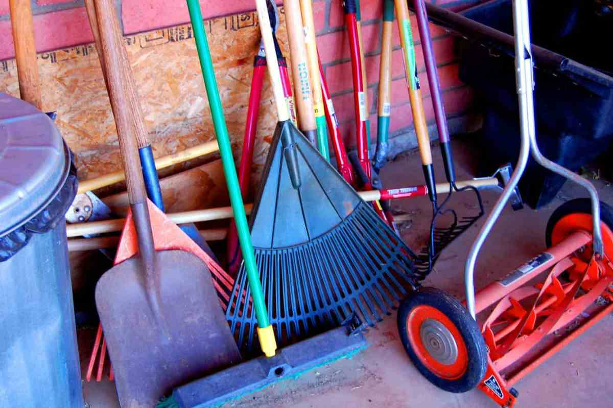 Winterizing and Storing Garden and Yard Tools