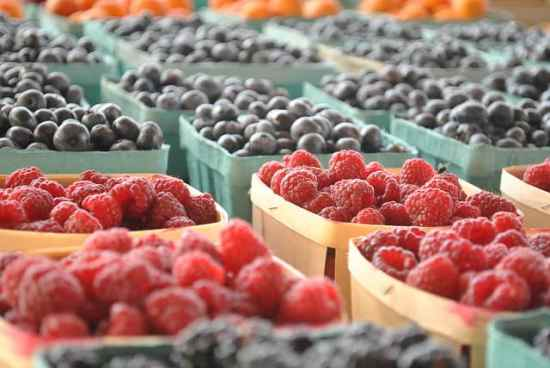 berries can help reduce blood pressure