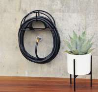 10 Easy Pieces: Hose Hangers, from High to Low - Gardenista
