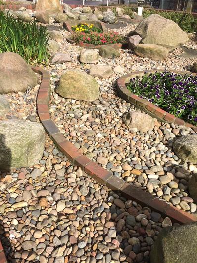 Gartengestaltung mit Steinen - Ideen, Tipps, Deko - gartengestaltung steingarten