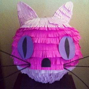 Gata piñata by TAHNZZ