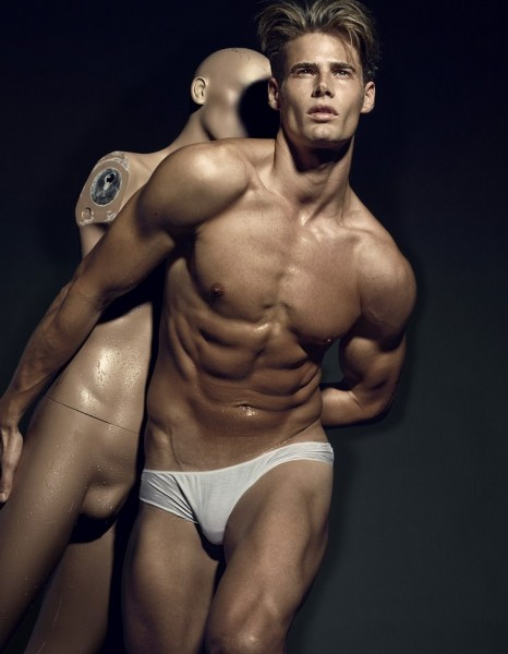 http://i0.wp.com/www.gaybodyblog.com/wp-content/uploads/2011/04/Charles-Devoe-in-Briefs.jpg