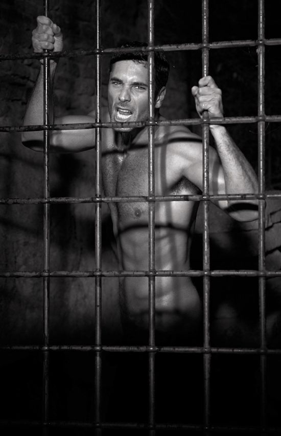Raul Bova - Caged