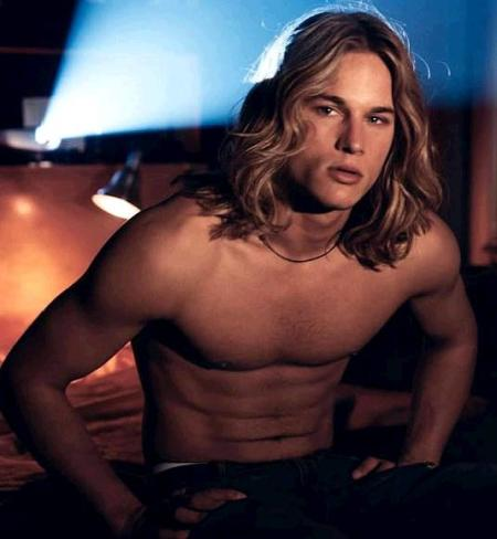 Travis Fimmel Sexy Youth Model and Actor Travis Fimmel