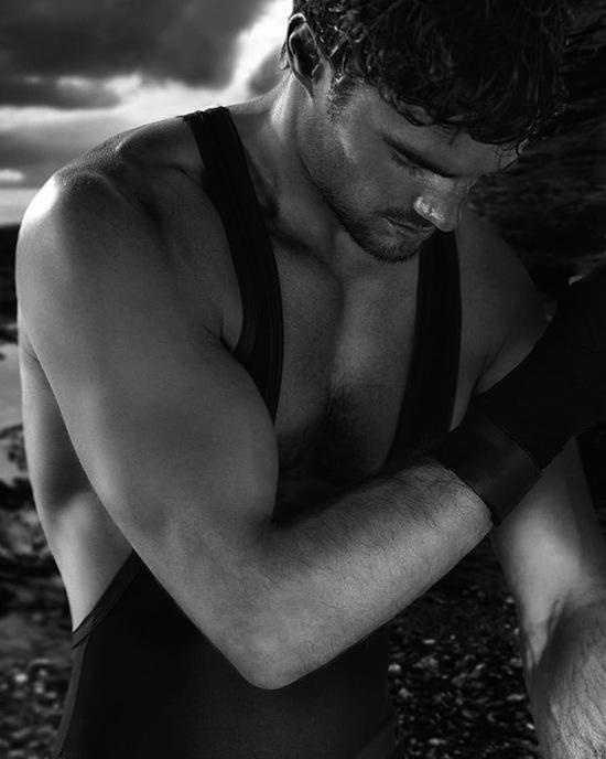 Rugby player Thom Evans in underwear (6)
