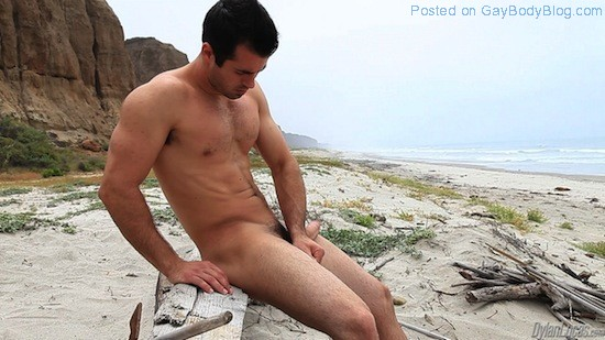 Brock Cooper Naked On The Beach (4)