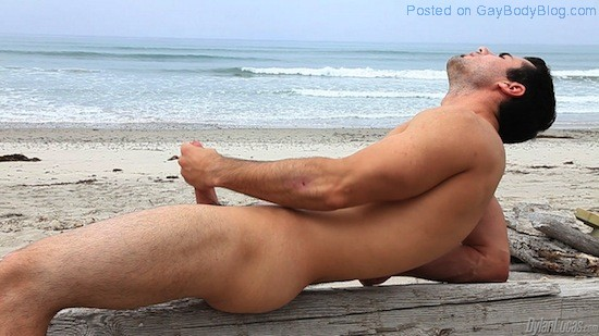 Brock Cooper Naked On The Beach (6)