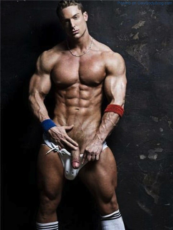 nude male fitness model Paragon Men - the hottest men on Earth.