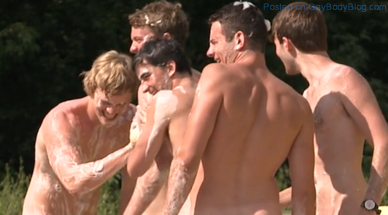 Warwick Rowing Team Naked For Charity (5)