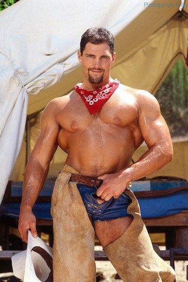 Muscle Man Franco Corelli Naked (1)