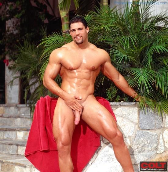 Muscle Man Franco Corelli Naked (7)