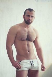 Bearish And Hot - Sergio Art Shows His Ass