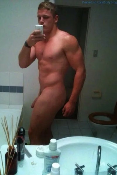 Sexy Naked Guy Selfies 1