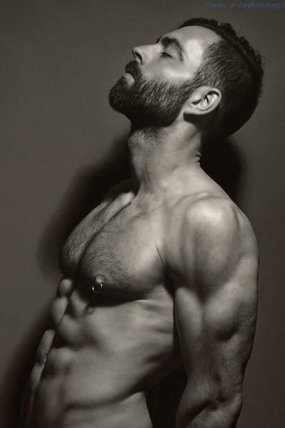 Naked German Male Model Tom (1)