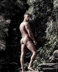 We Need More Nudity From Thiago Preda