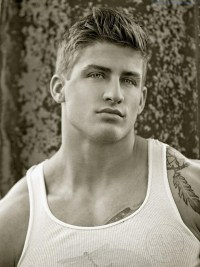 Handsome And Buff Fitness Model Quinn Biddle