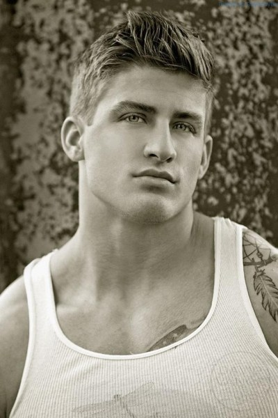 Handsome And Buff Fitness Model Quinn Biddle 1