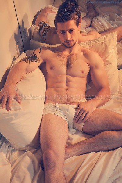 In Bed With Muscle Man Luca Agra 1