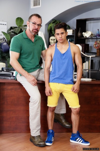 hot-little-armond-rizzo-gets-the-big-daddy-cock-of-max-sargent-1