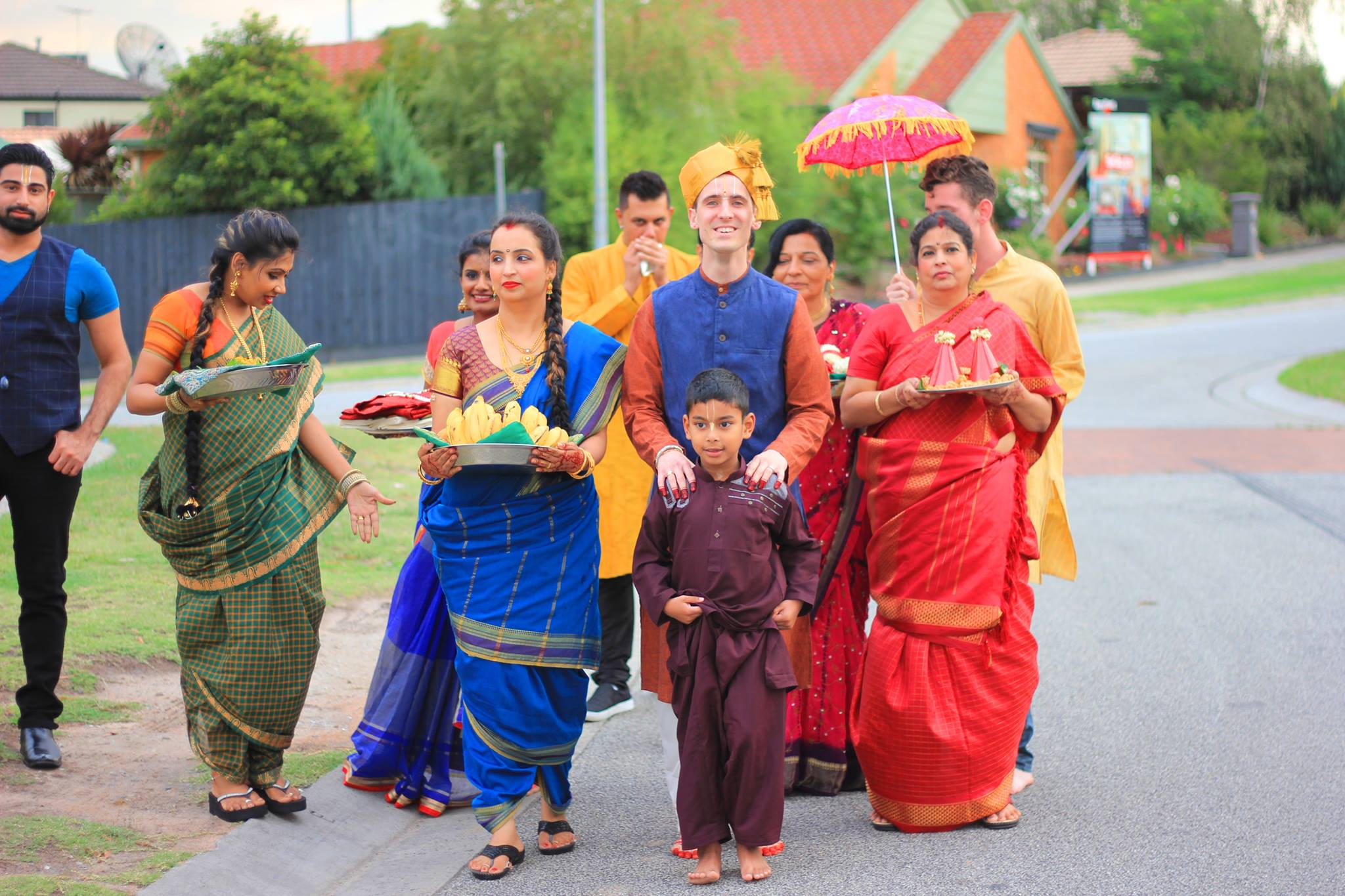 The engagement ceremony started with a short procession of John McCane coming to Salaphaty Rao's home with his party carrying sweets, bettle leaf, fruits, coconut, garlands which are collectively known as 'seer' or gifts.