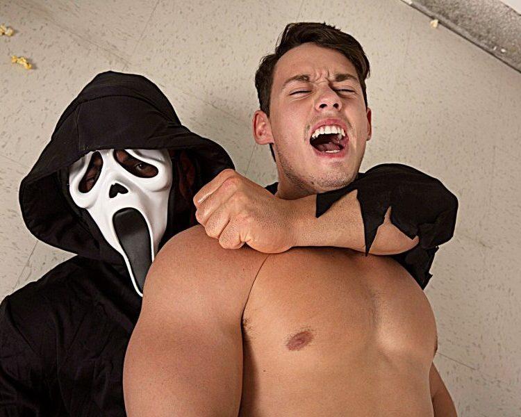 Bromo: Hung Brad Banks makes hottie Tobias scream and cream in one restroom fuck.