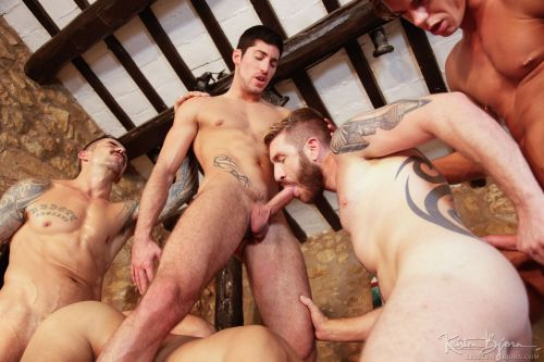 cock-sucking-euro-guys-gay-sex-uncut-muscle-naked-nude