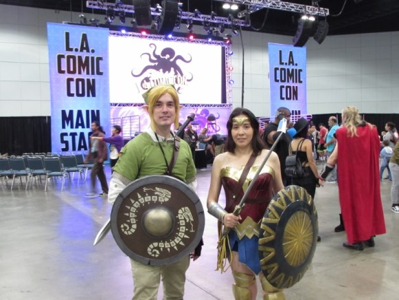 Link from Legend of Zelda and Wonder Woman cosplay at LA Comic Con 2017