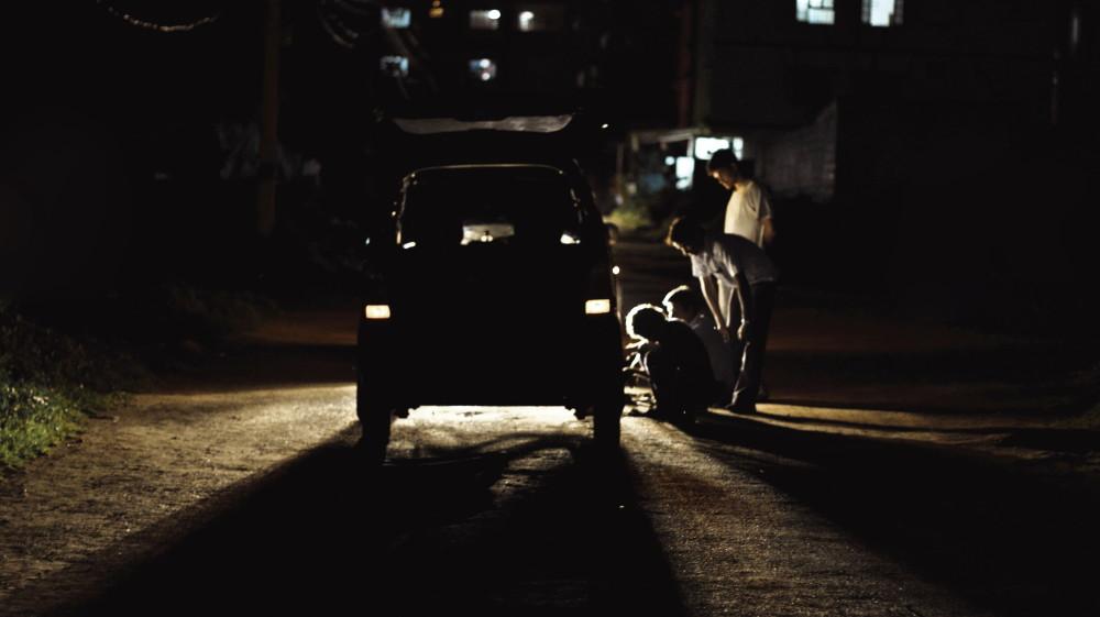 vw_breakdown_night_ahmed_mahin_fayaz_flickrcc_020315