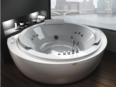 Pelicanu0027s Rest in #FortMorgan has 4 BA with #jacuzzi tubs - jacuzzi interior